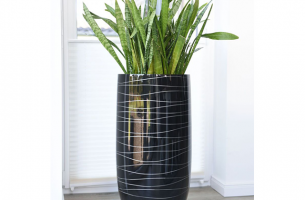 IHD002 - Lacquer  hand-painted planter